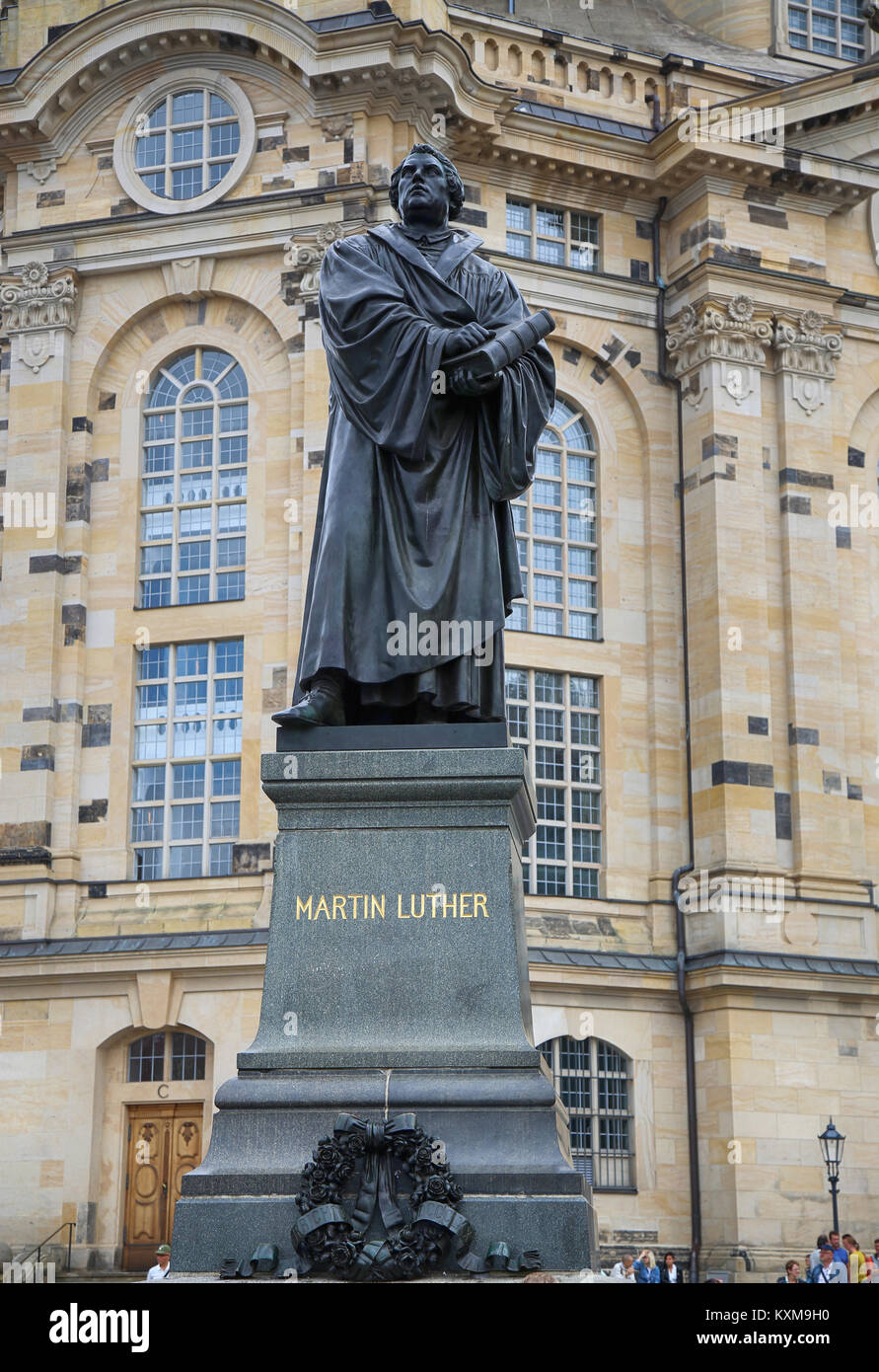 DRESDEN, GERMANY – AUGUST 13, 2016: Frauenkirche (Our Lady church) and statue Martin Luther in the center of old Stock Photo