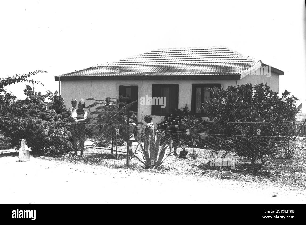 Farmers House Black and White Stock Photos & Images - Alamy