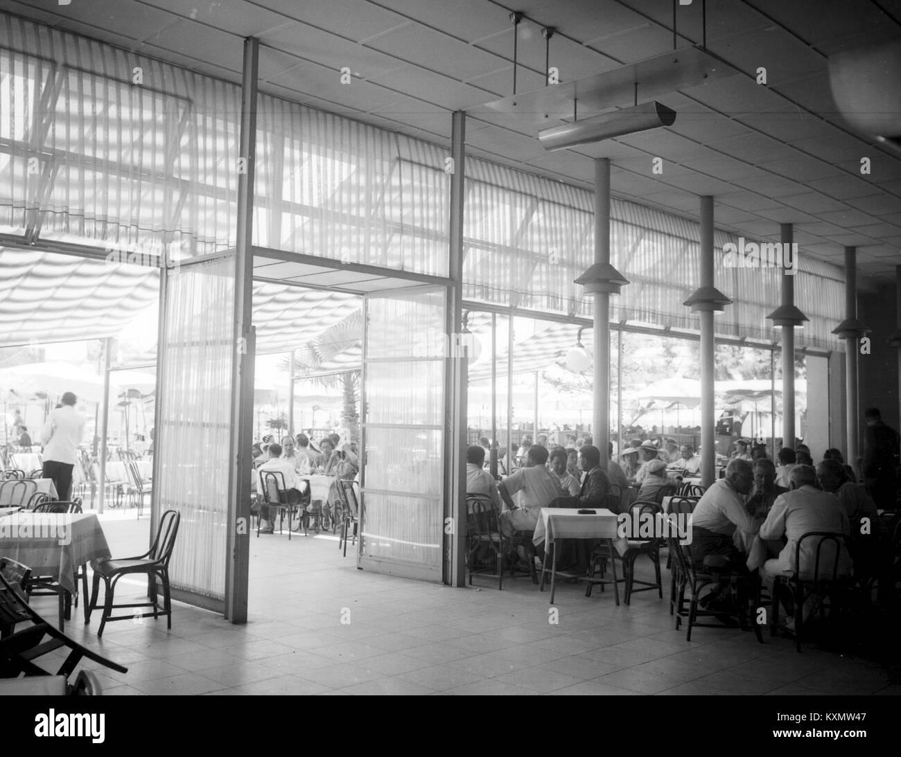 A COFFEE SHOP IN TEL AVIV. בית קפה בתל אביב.D403-140 Stock Photo