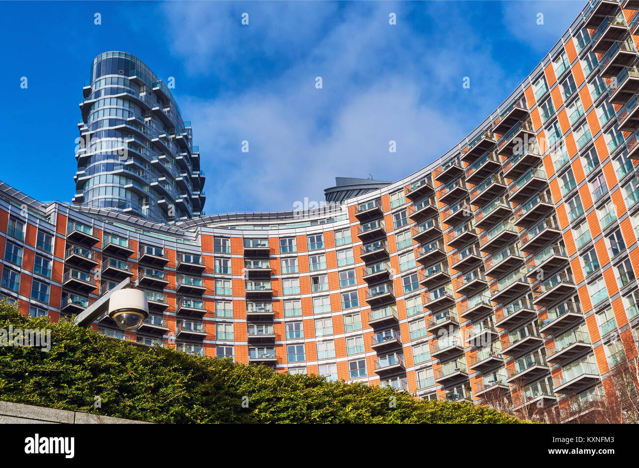 New apartents on the River Thames near Canary Wharf, East London, UK - Stock Image
