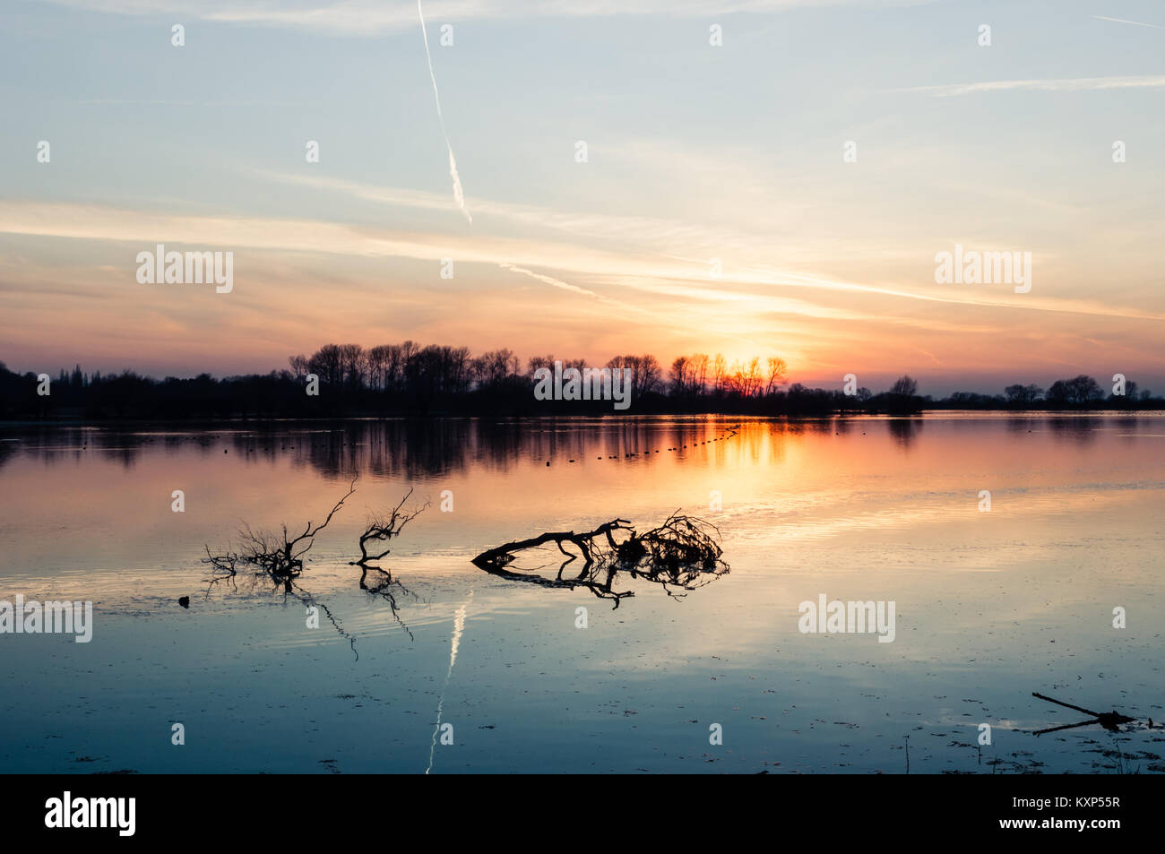 Beautiful sunset in early macrh at Wilstone Reservoir in Hertfordshire, England, now a nature reserve. - Stock Image