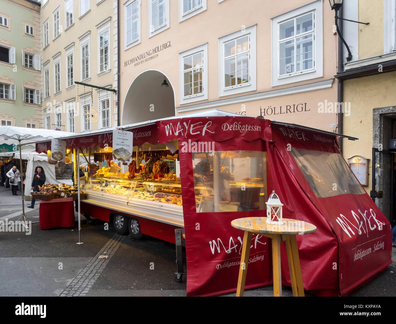 SALZBURG, AUSTRIA:  Mayer Delikatessen -  a mobile Delicatessen in the Universitätsplatz Market - Stock Image