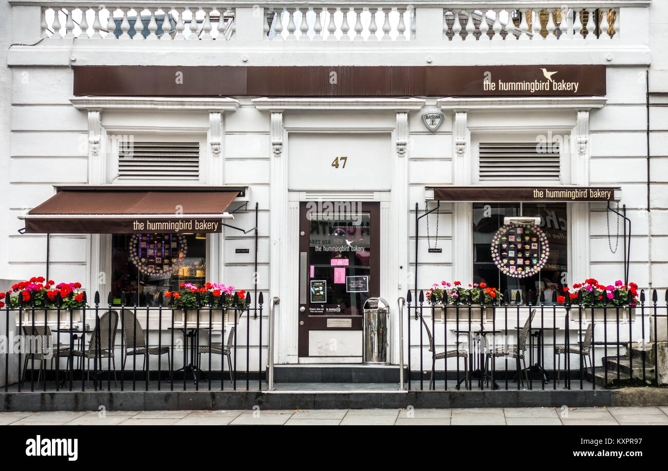 Exterior of the Hummingbird bakery - selling authentic American cakes and desserts. 47 Old Brompton Road, South - Stock Image