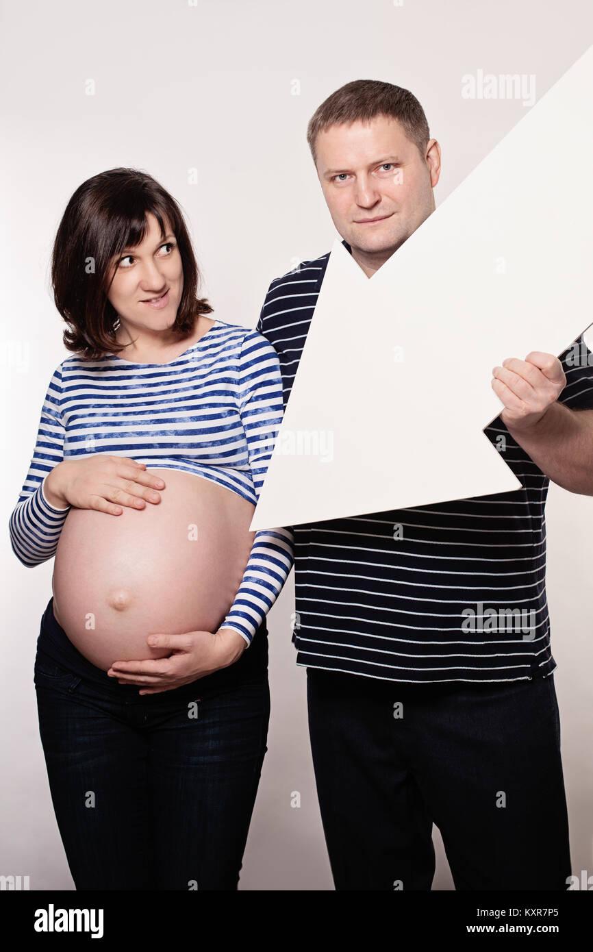 White women pregnant seeking black man