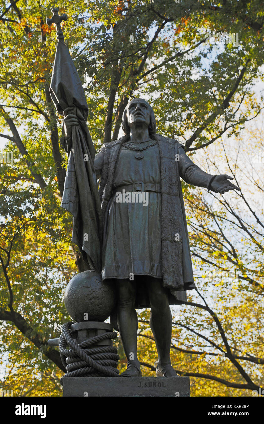 New York, New York State, United States of America.  Statue in Central Park of Italian explorer Christopher Columbus, - Stock Image