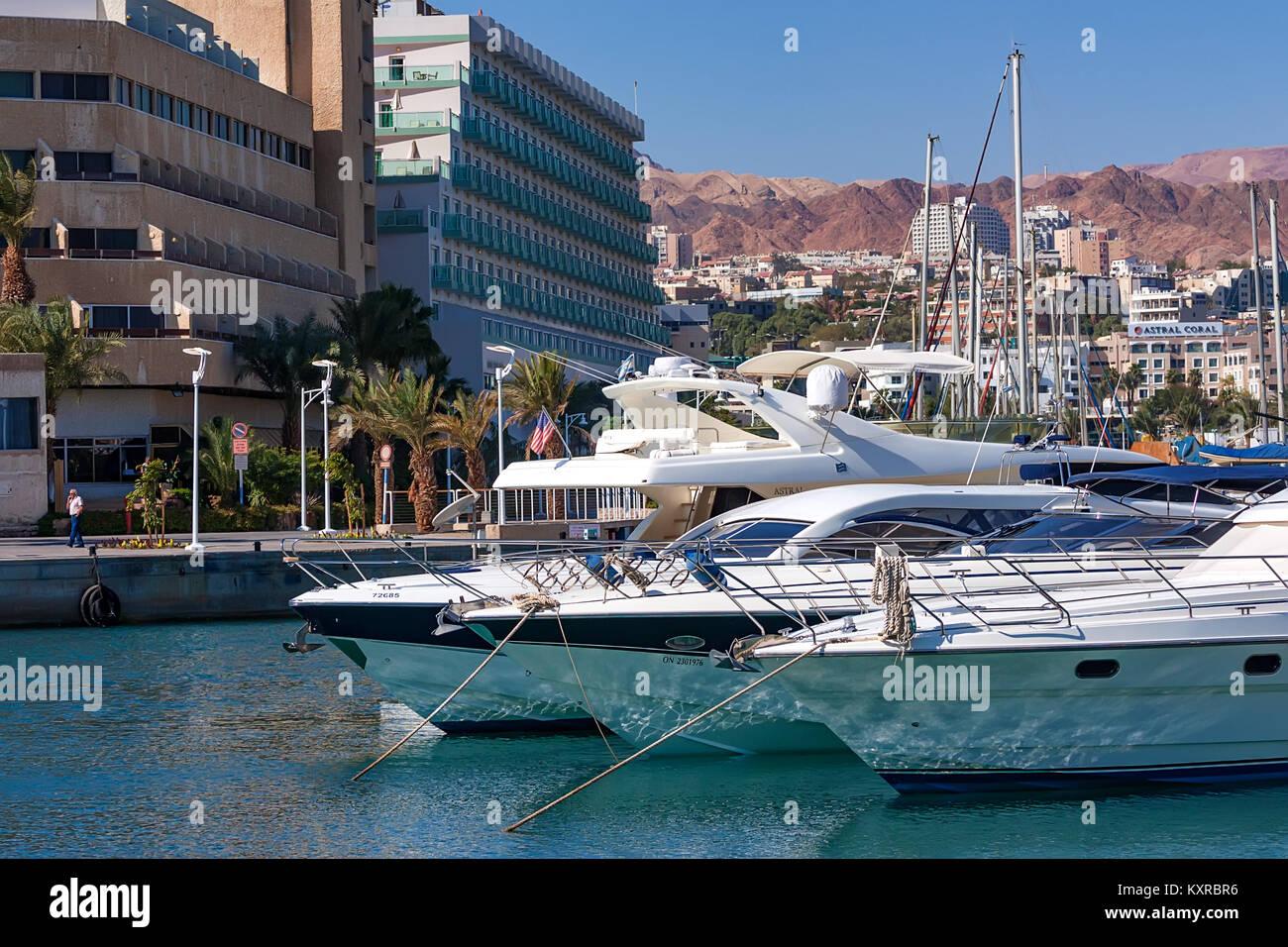 EILAT, ISRAEL - NOVEMBER 2011: Marina with docked yachts - Stock Image