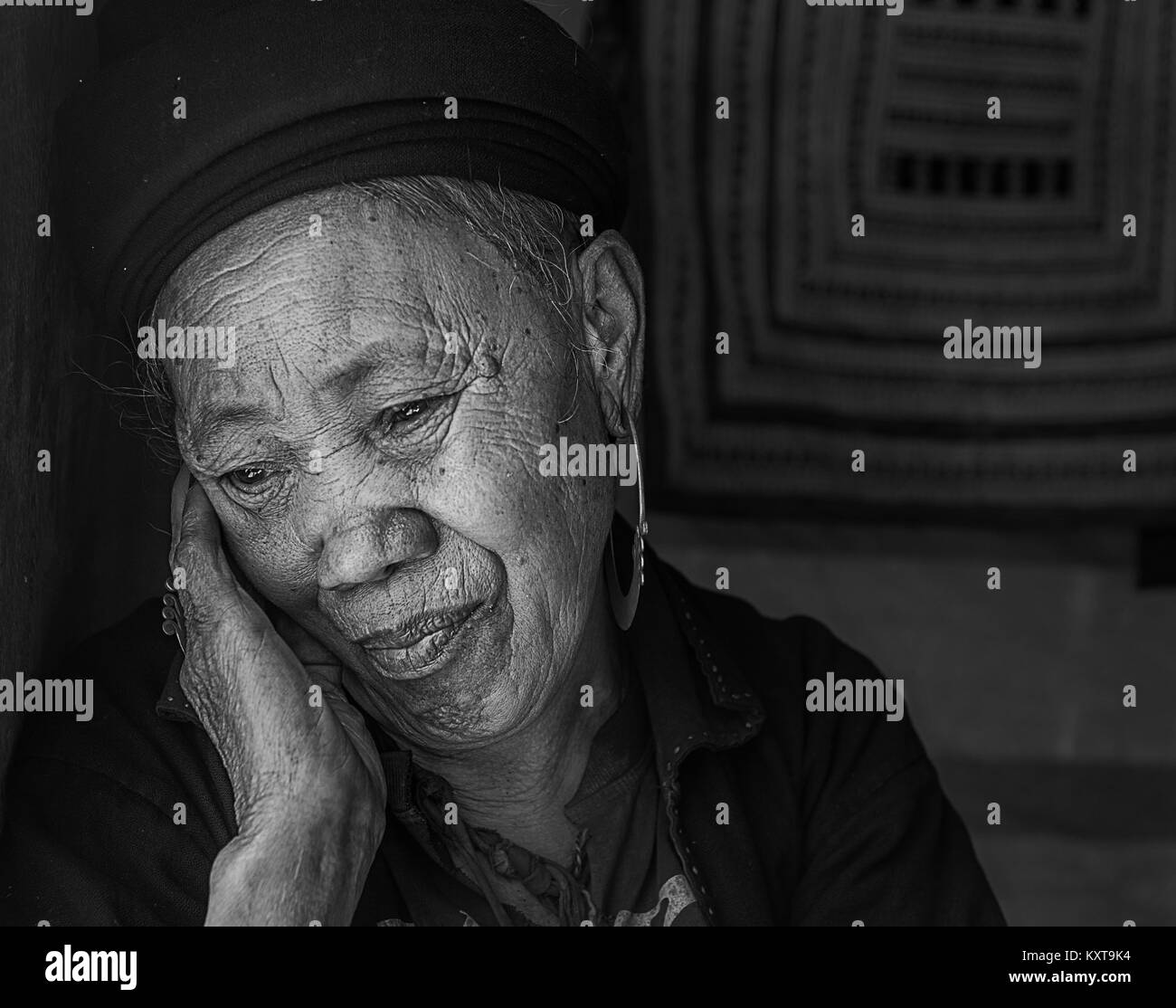 Portrait of Hmong tribe old woman - Stock Image