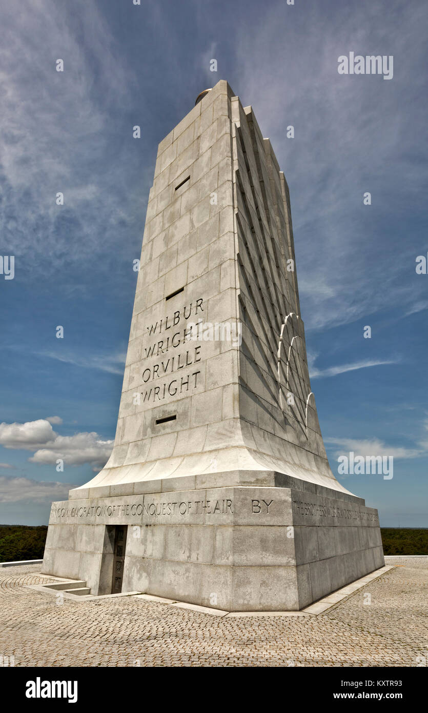 NC01251-00...NORTH CAROLINA - The monument to Wilbur and Orville Wright at the Wright Brothers National Memorial - Stock Image
