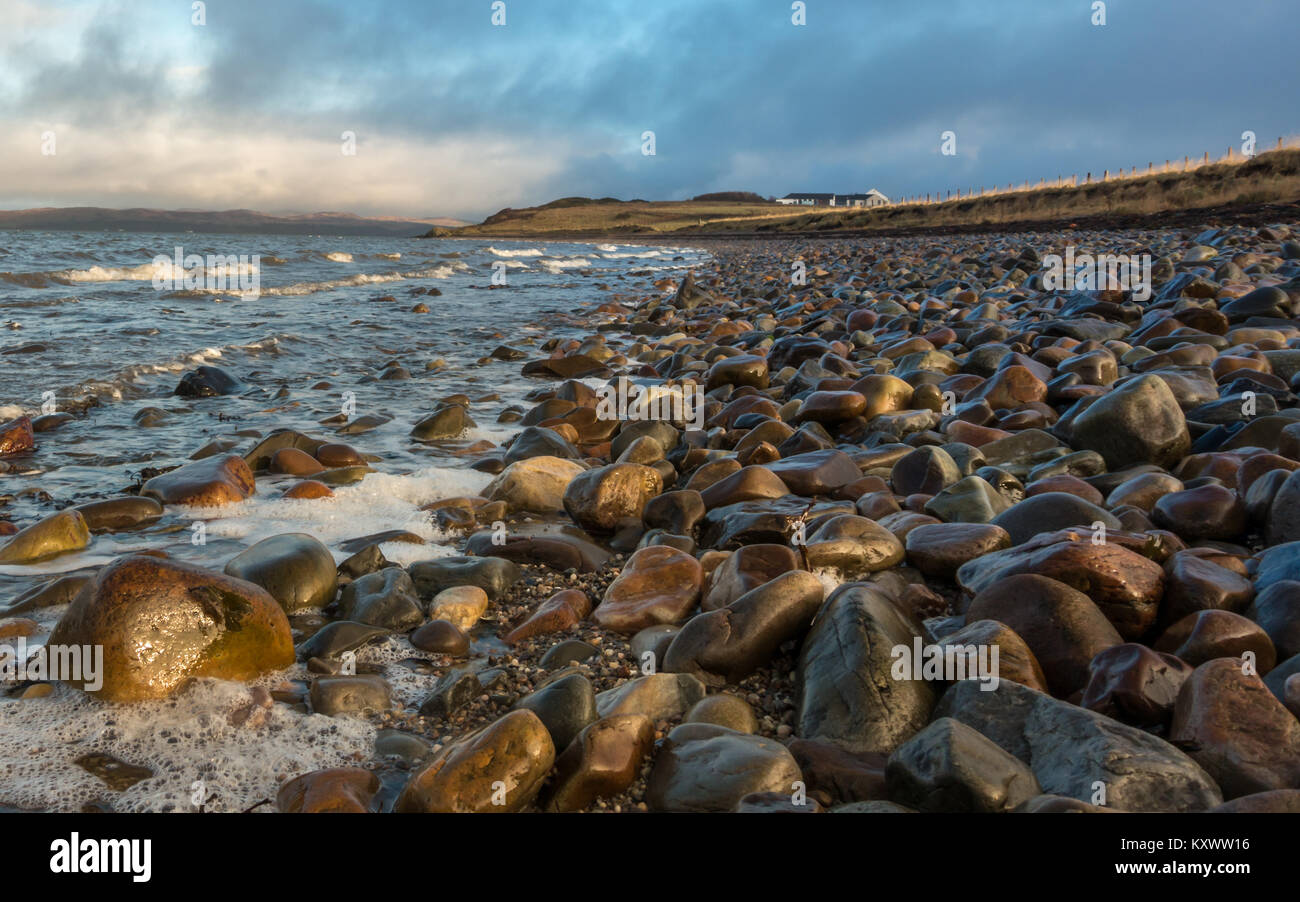 Looking towards Bowmore from the Bowmore pebble beach, Isle of Islay, Scotland - Stock Image