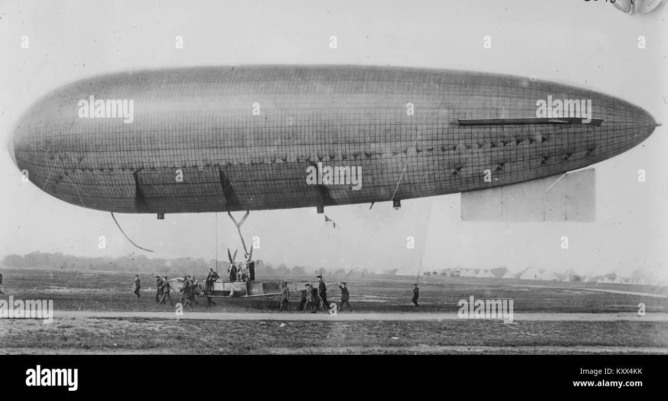 Army Airship, Betarr - Stock Image