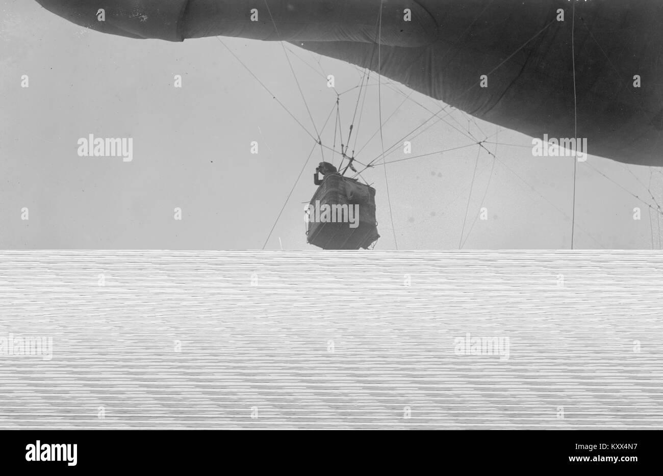 U.S. Army observer in Basket - Stock Image