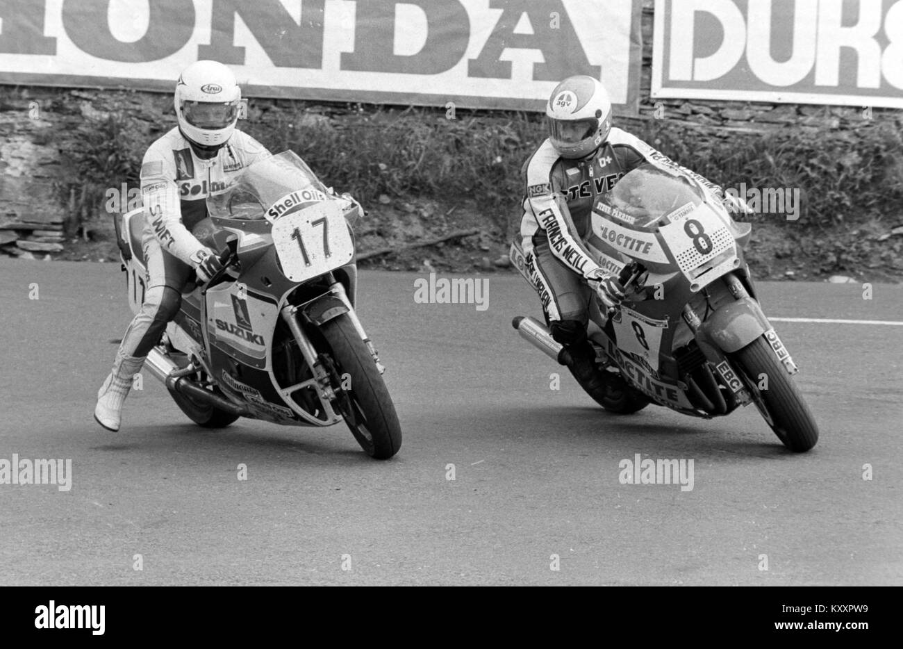Steve Parrish (8) turns around no 17 at the1986 Formula 1 TT, Isle of Man TT races, Tourist Trophy. - Stock Image