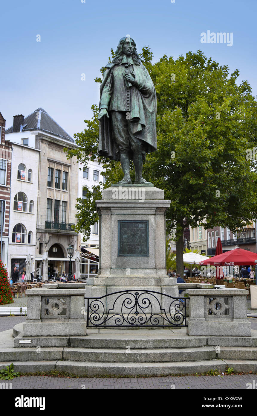 The Hague, The Netherlands - August 18, 2015: A statue of Johan de Witt stands in the middle of the square De Plaats - Stock Image