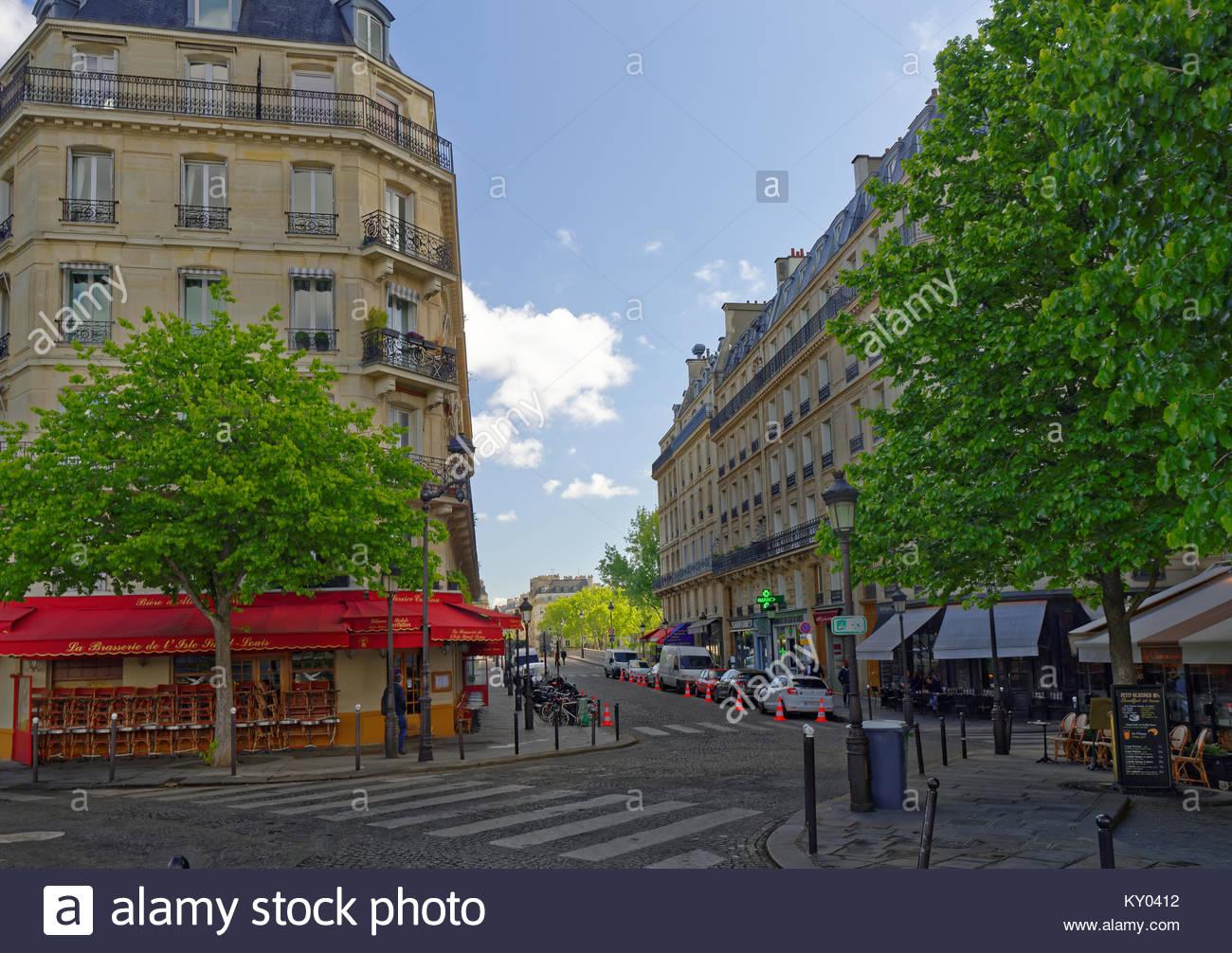 Ile St Louis street, Paris, France - Stock Image