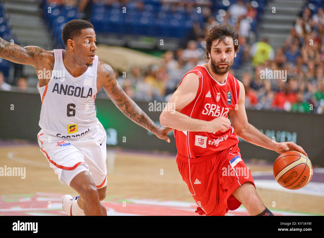 Milos Teodosic running the offense for Serbian Basketball National Team - Stock Image