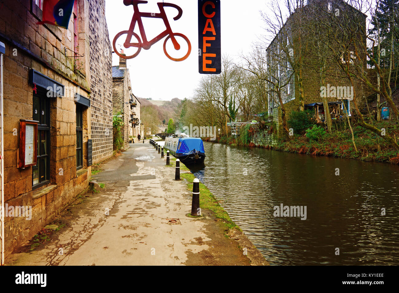 A barge and canal side cafe on the Rochdale Canal at Sowerby Bridge West Yorkshire UK - Stock Image