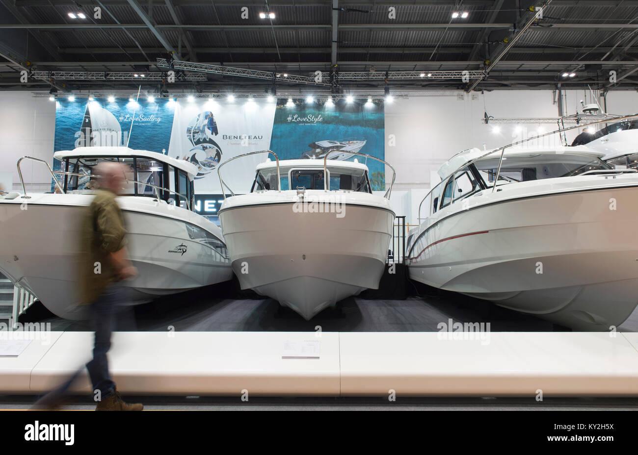 Jeanneau Boats Stand Stock Photos & Jeanneau Boats Stand