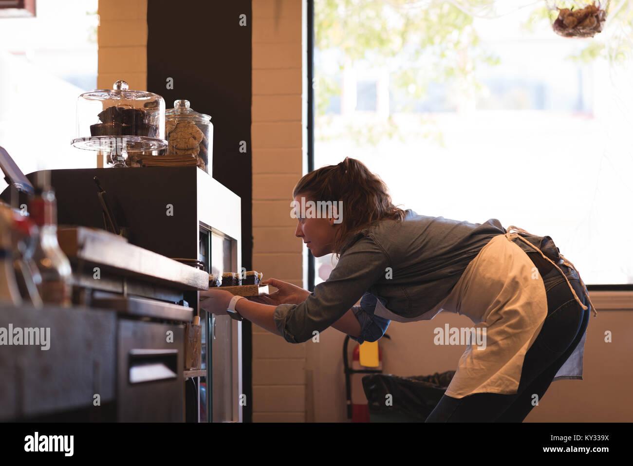 Waitress Stock Photos & Waitress Stock Images - Alamy