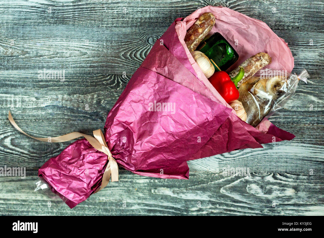 Male bouquet of beer, fish and snacks close - Stock Image