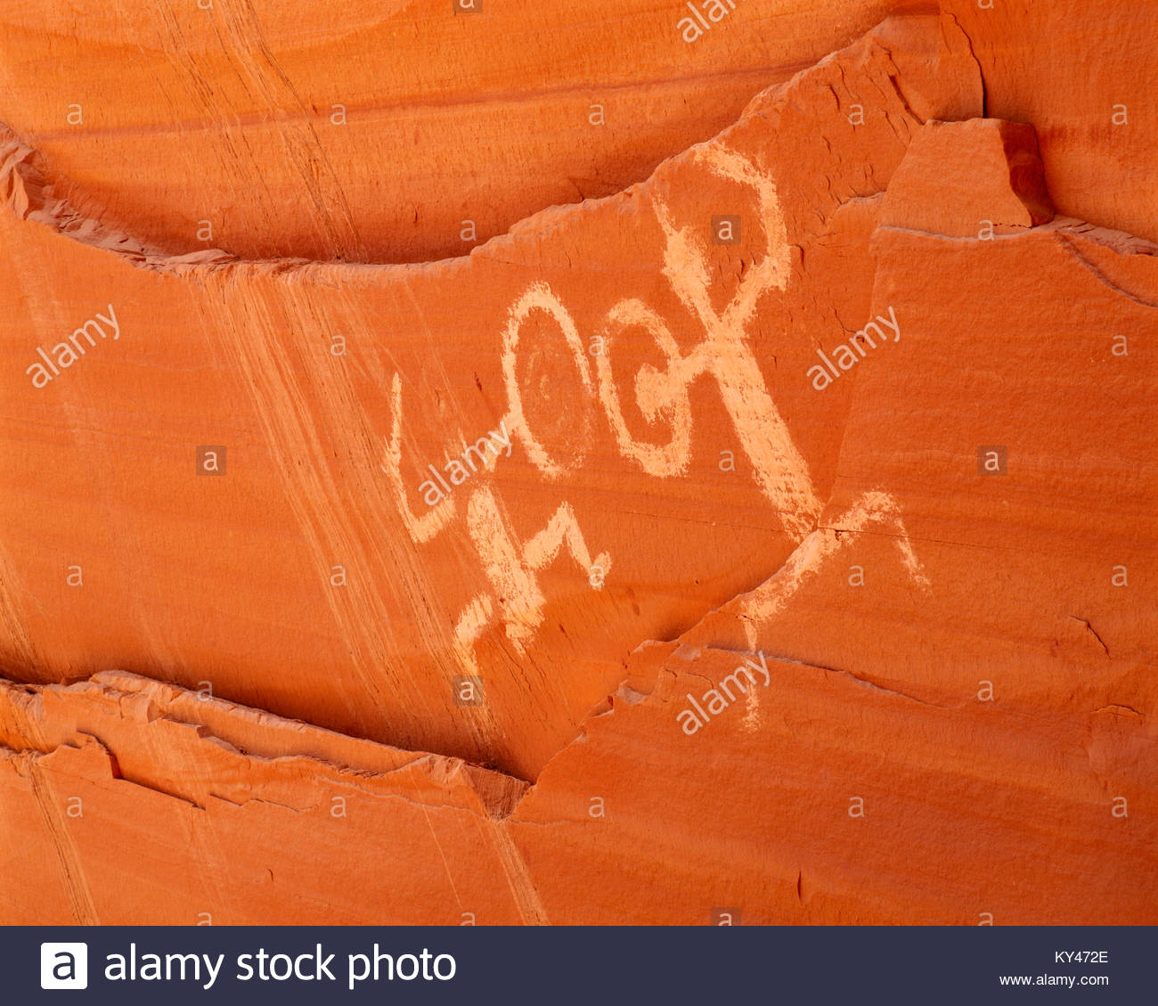 0306-1020  Copyright:  George H. H. Huey  Pictographs at Defiance House [Anasazi culture site].  Lake Powell.  Glen - Stock Image