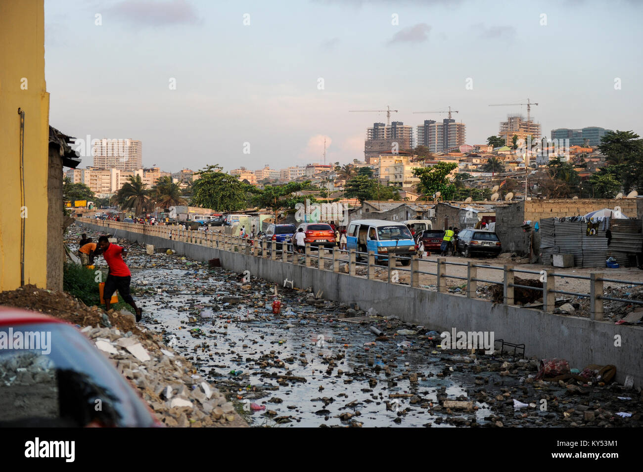 ANGOLA Luanda, due to revenues from oil and diamond exports a construction boom is seen everwhere and the real estate - Stock Image