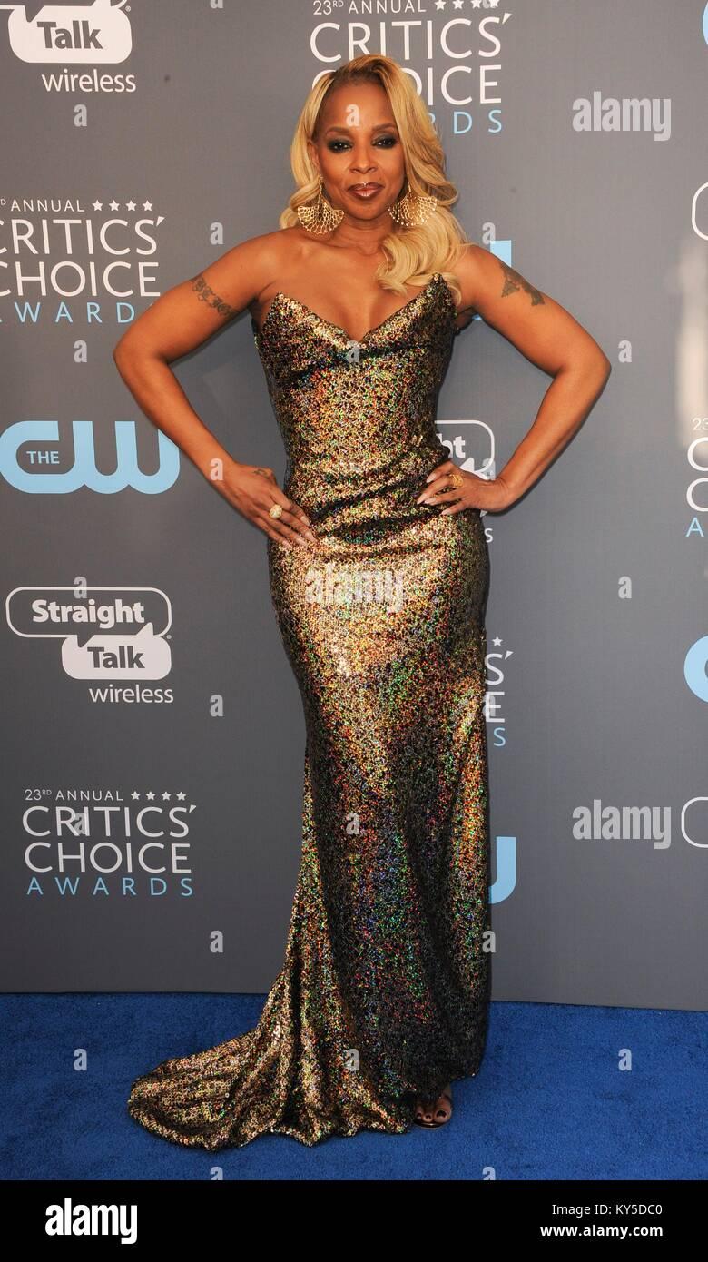 Mary J. Blige at arrivals for The Critics' Choice Awards 2017, Barker Hangar, Santa Monica, CA January 11, 2018. - Stock Image