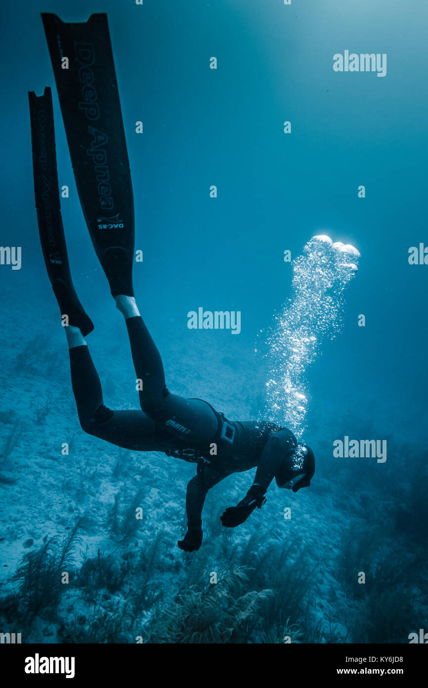 SAN ANDRES ISLAND, Colombia _ Circa March 2017. Freediving Simulation of  Blackout during a Diving Course in the - Stock Image