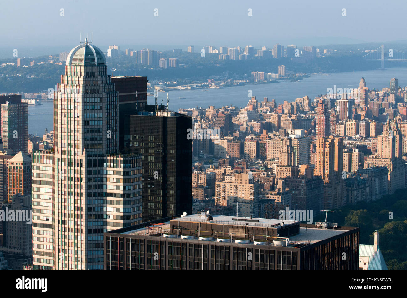Aerial views of Central Park and the Hudson River Park, in addition to the skyscrapers that surround it. - Stock Image