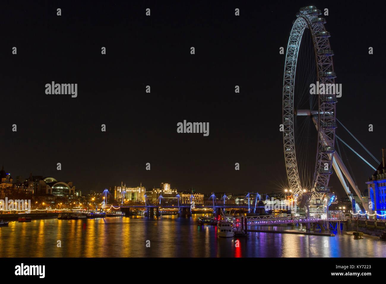 Unlit London Eye at night. - Stock Image