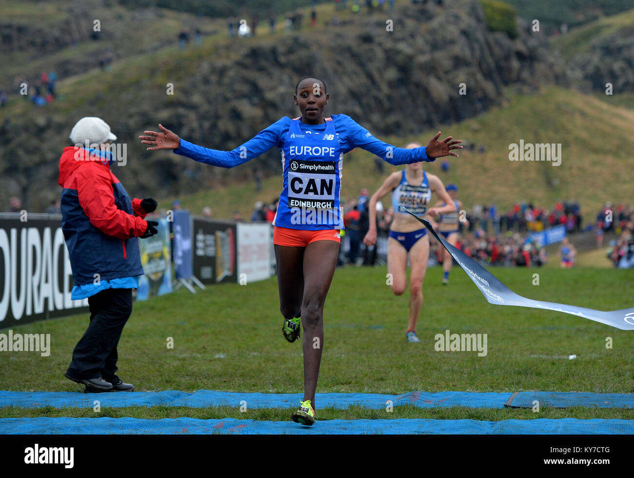 Yasmin Can crosses the finish line to win the Simplyhealth Great Edinburgh XCountry Womans 6k race during the Great - Stock Image