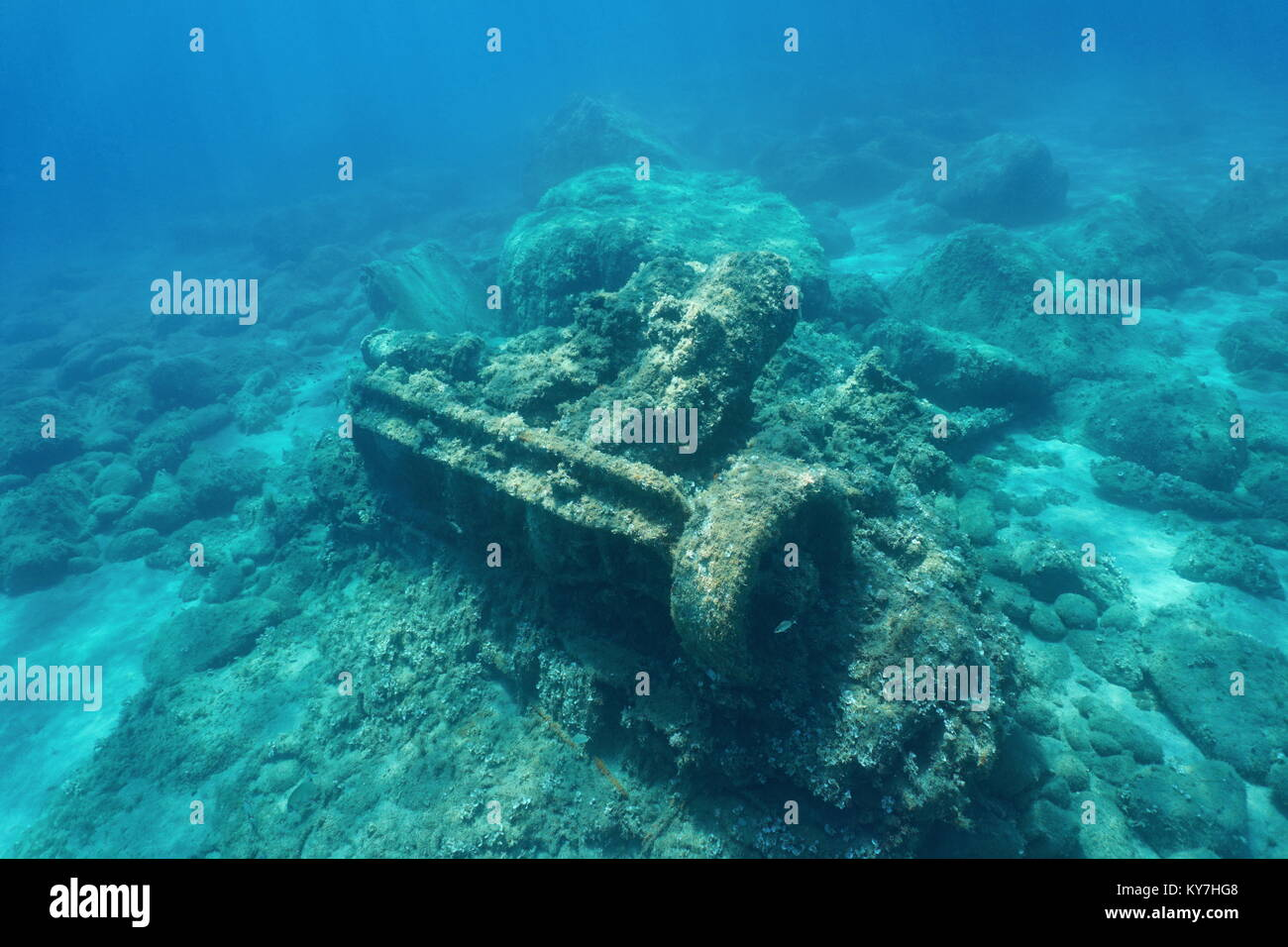 Wrecked ship remains a marine steam engine underwater on the seabed, Mediterranean sea, Vermilion coast, Pyrenees - Stock Image
