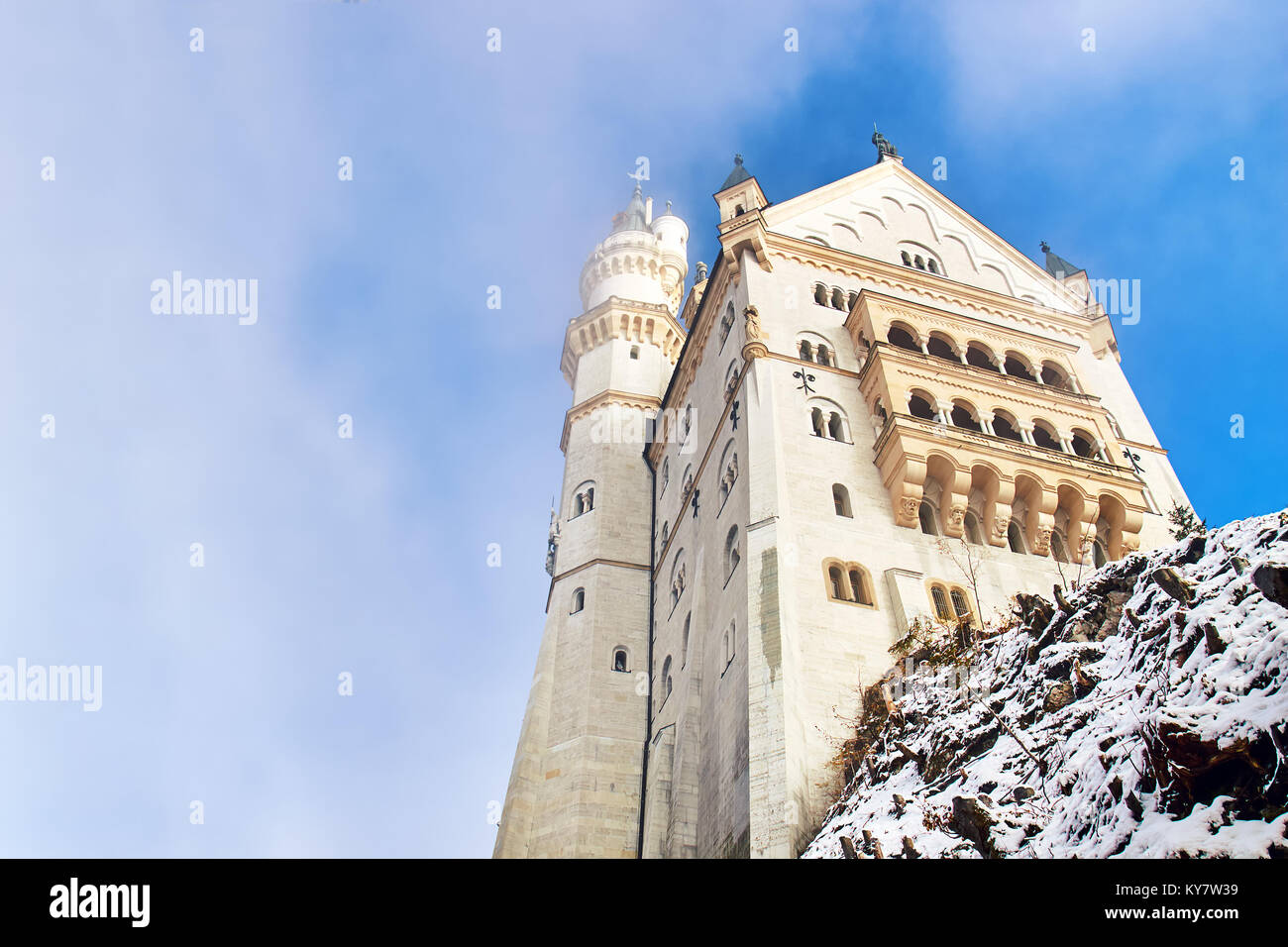 Fairytale Neuschwanstein castle during foggy winter day, Germany - Stock Image