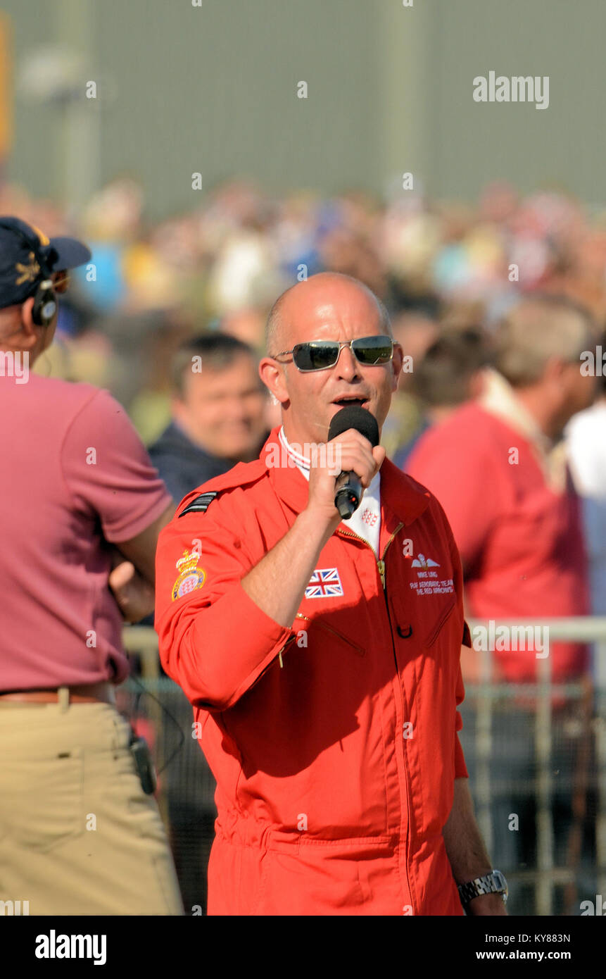 Mike Ling RAF Red Arrows commentator commentating at an airshow. Red 10 - Stock Image