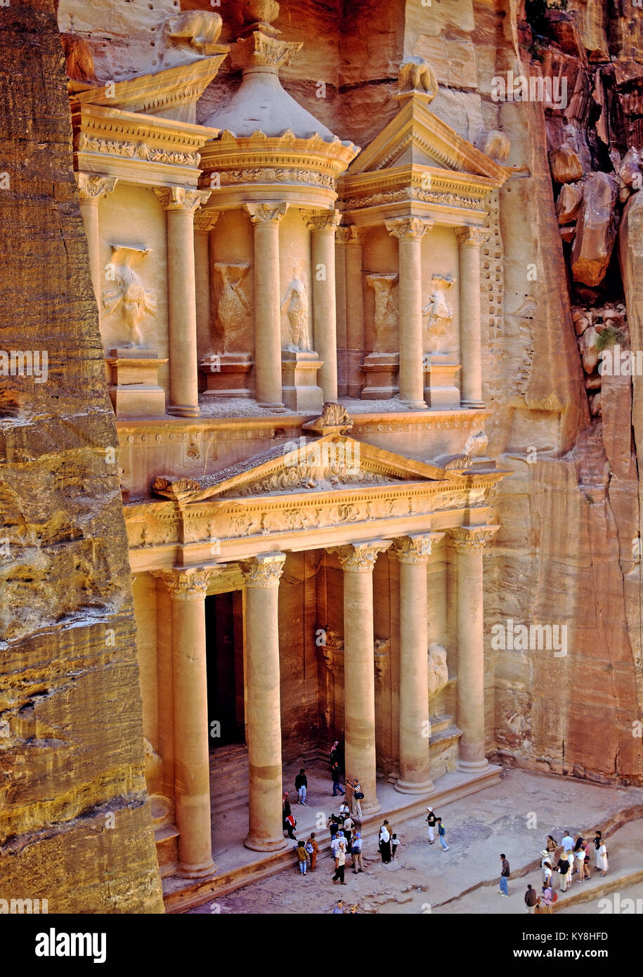 2232. The Khazneh (Treasury), Petra, Ma'an Gov, Jordan Stock Photo
