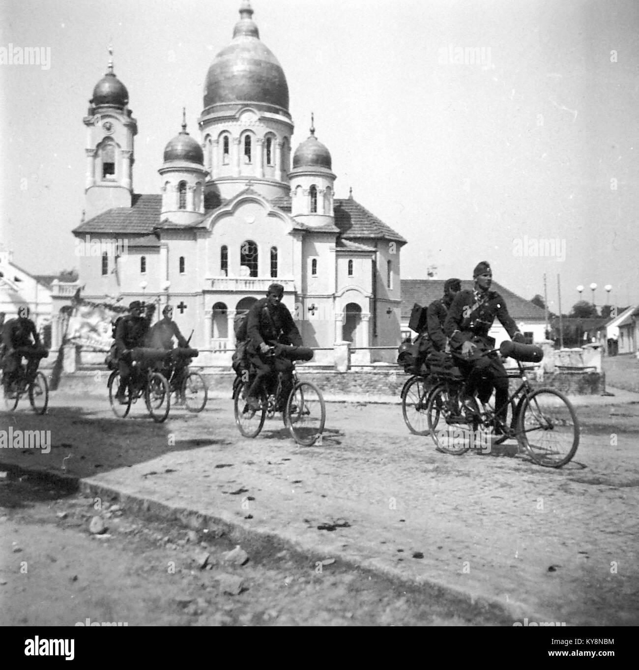 Piaţa Unirii, szemben az ortodox templom. Fortepan 2469 - Stock Image