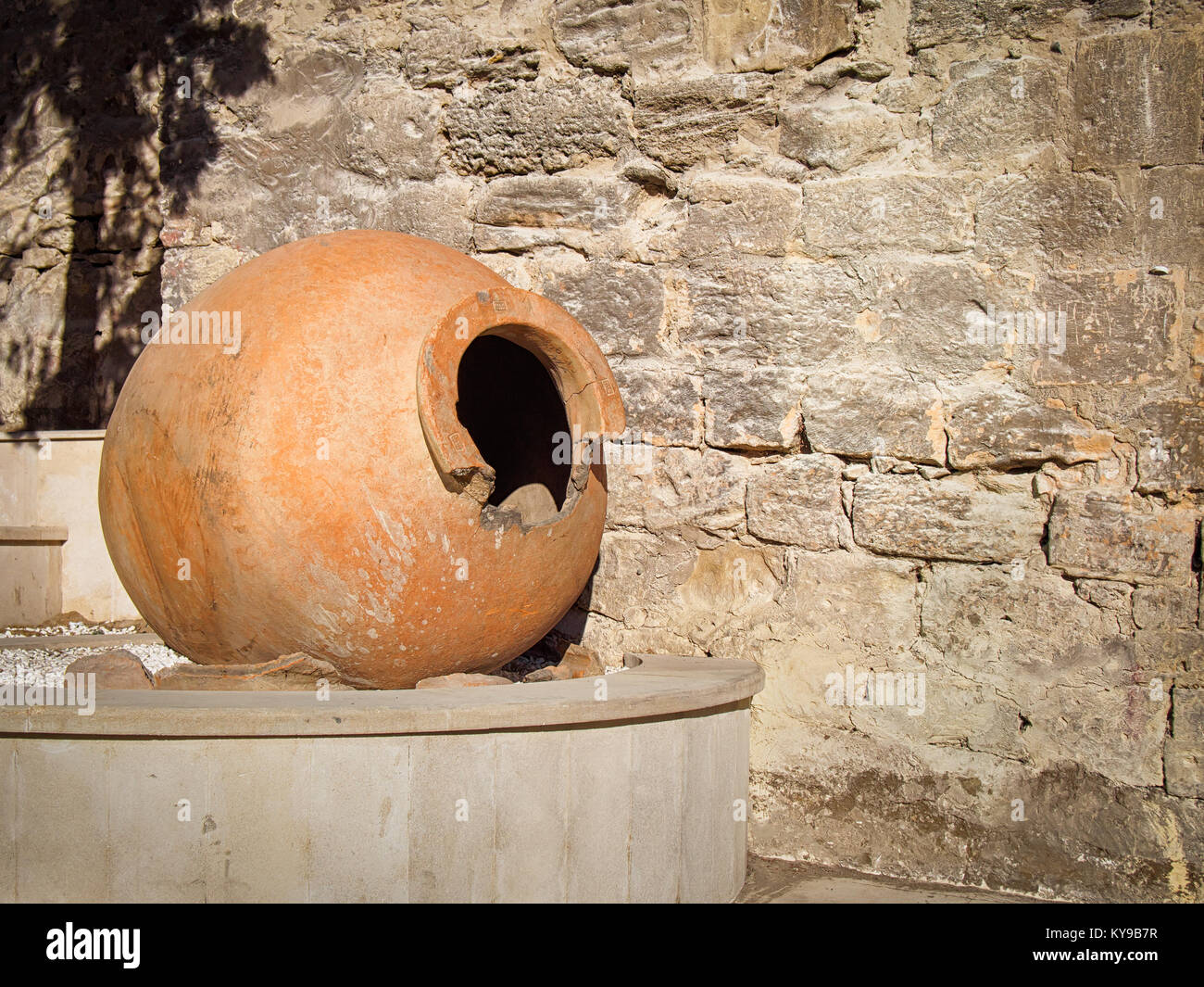 Big old clay jug in the Baku old town - Stock Image