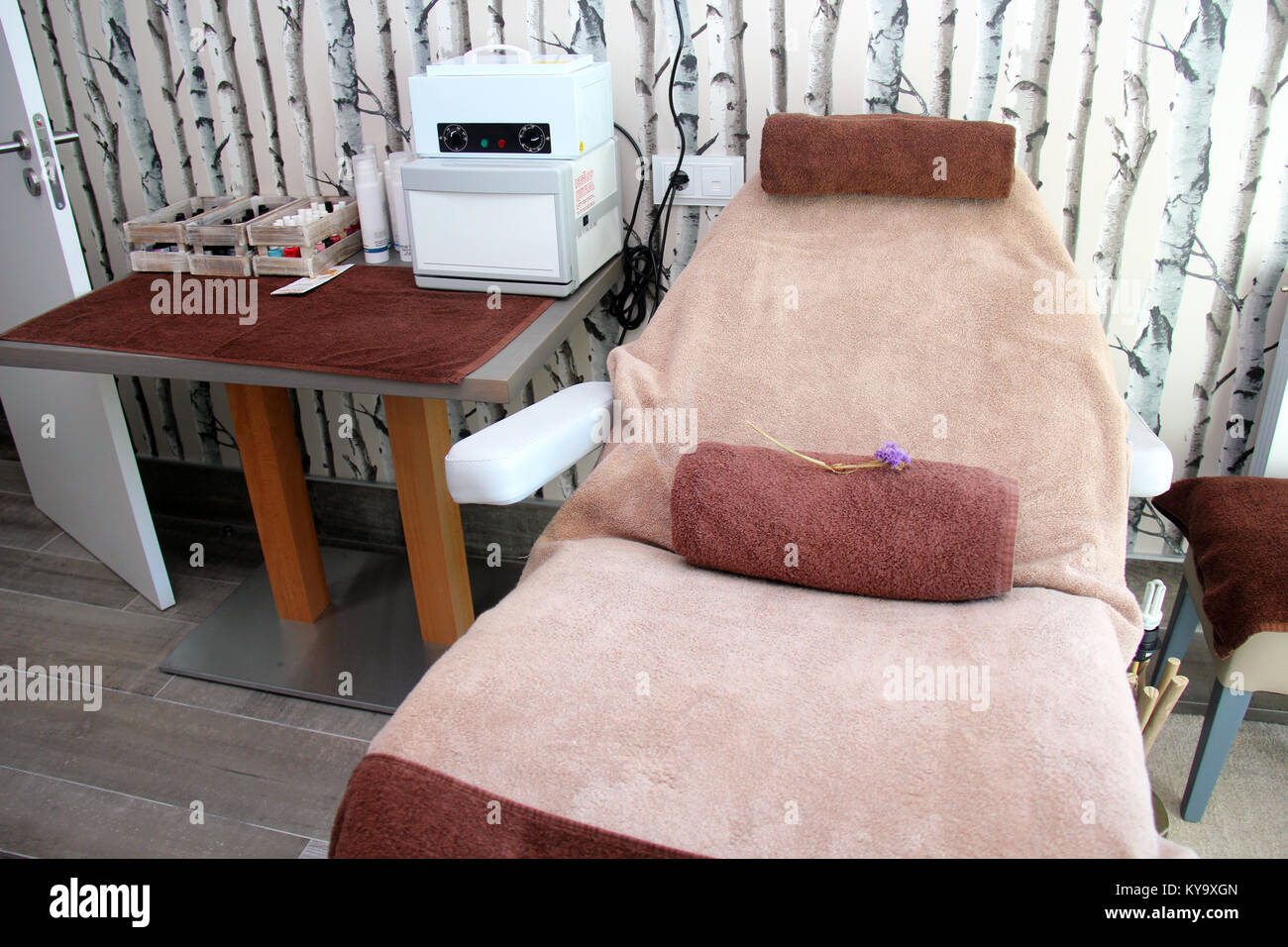 Spa type massage treatment room - Stock Image