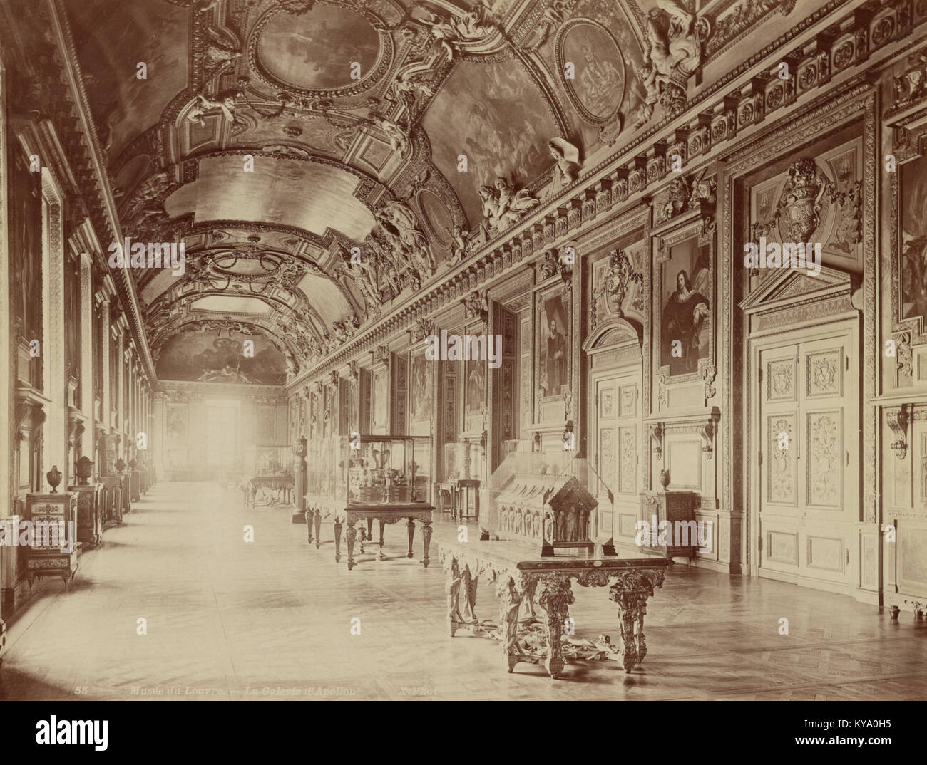 Musée du Louvre - La Galerie d'Apollon - Stock Image