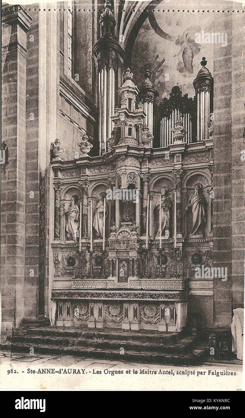 https://c8.alamy.com/comp/KYANRC/sainte-anne-dauray-fr-56-vers-1930-la-basilique-intrieur-3-KYANRC.jpg