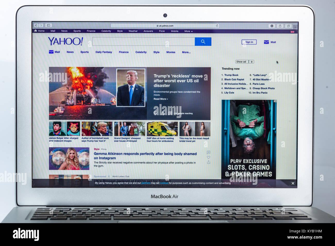 Yahoo webpages - Stock Image