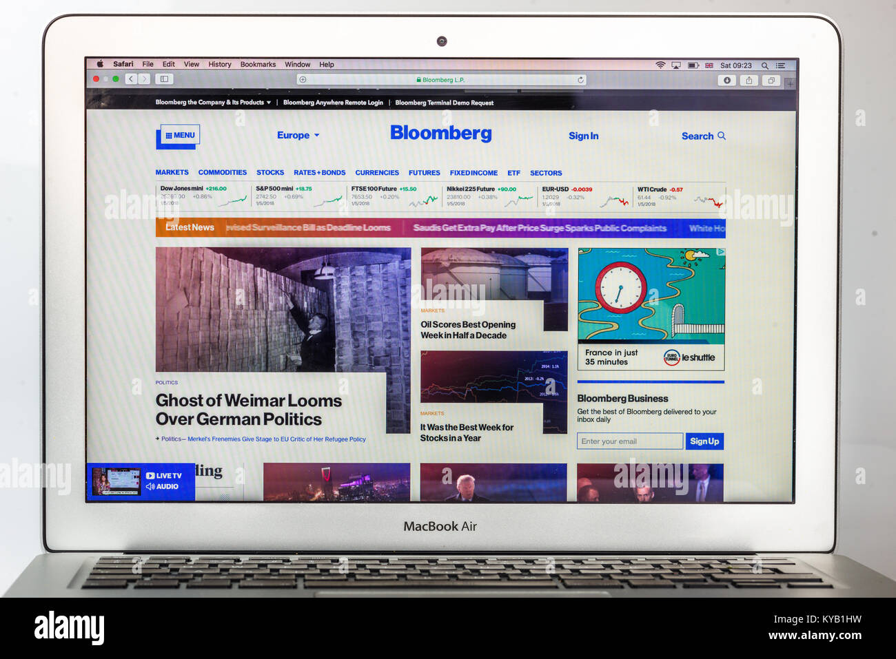 Bloomberg Financial New website - Stock Image
