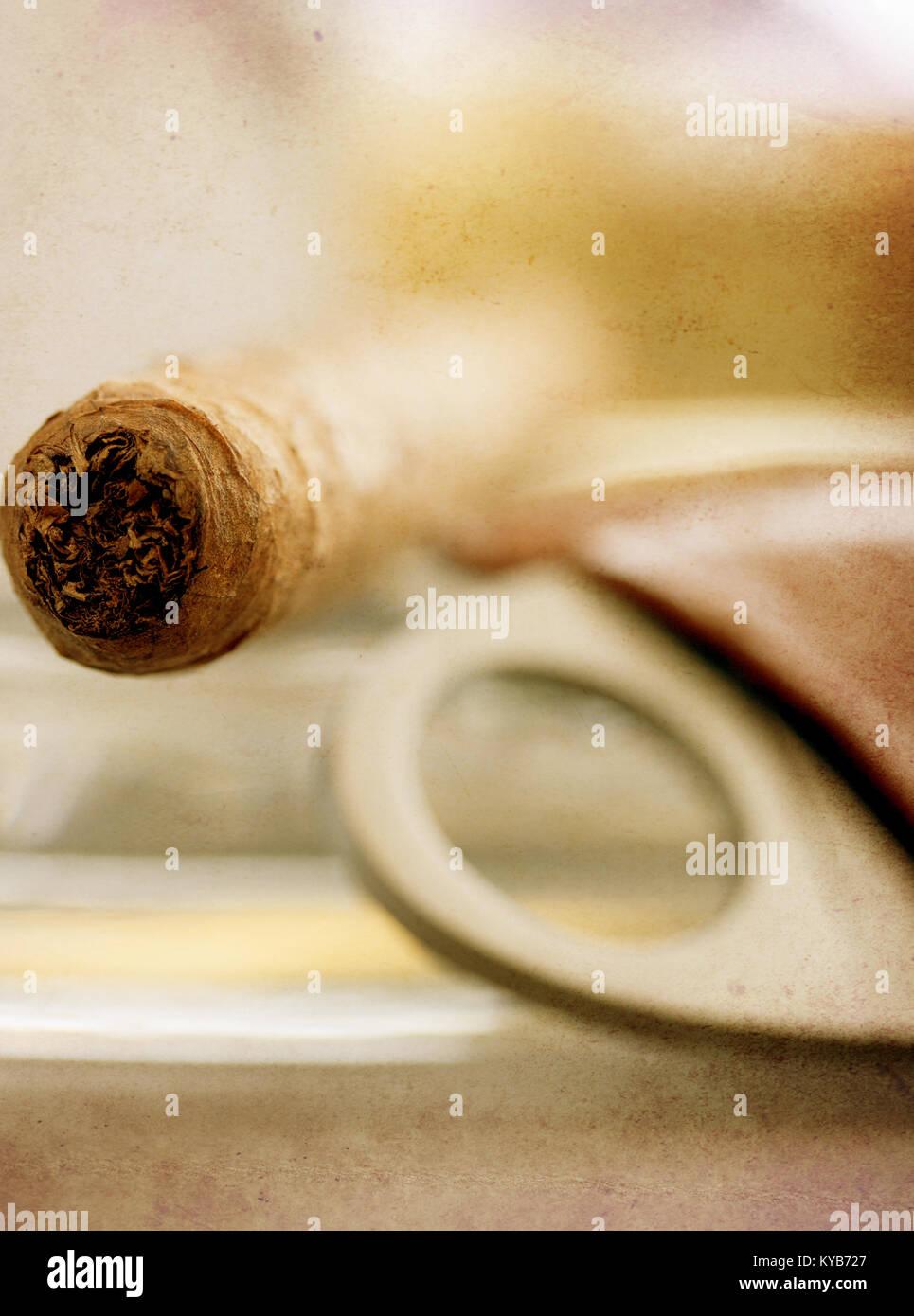 Cigar Bar Stock Photos & Cigar Bar Stock Images - Alamy
