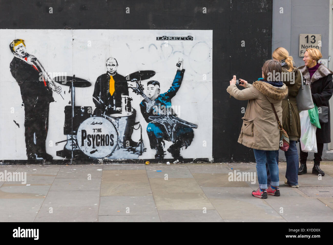 Shoreditch london 14th jan 2018 londoners and tourists react to and interact with
