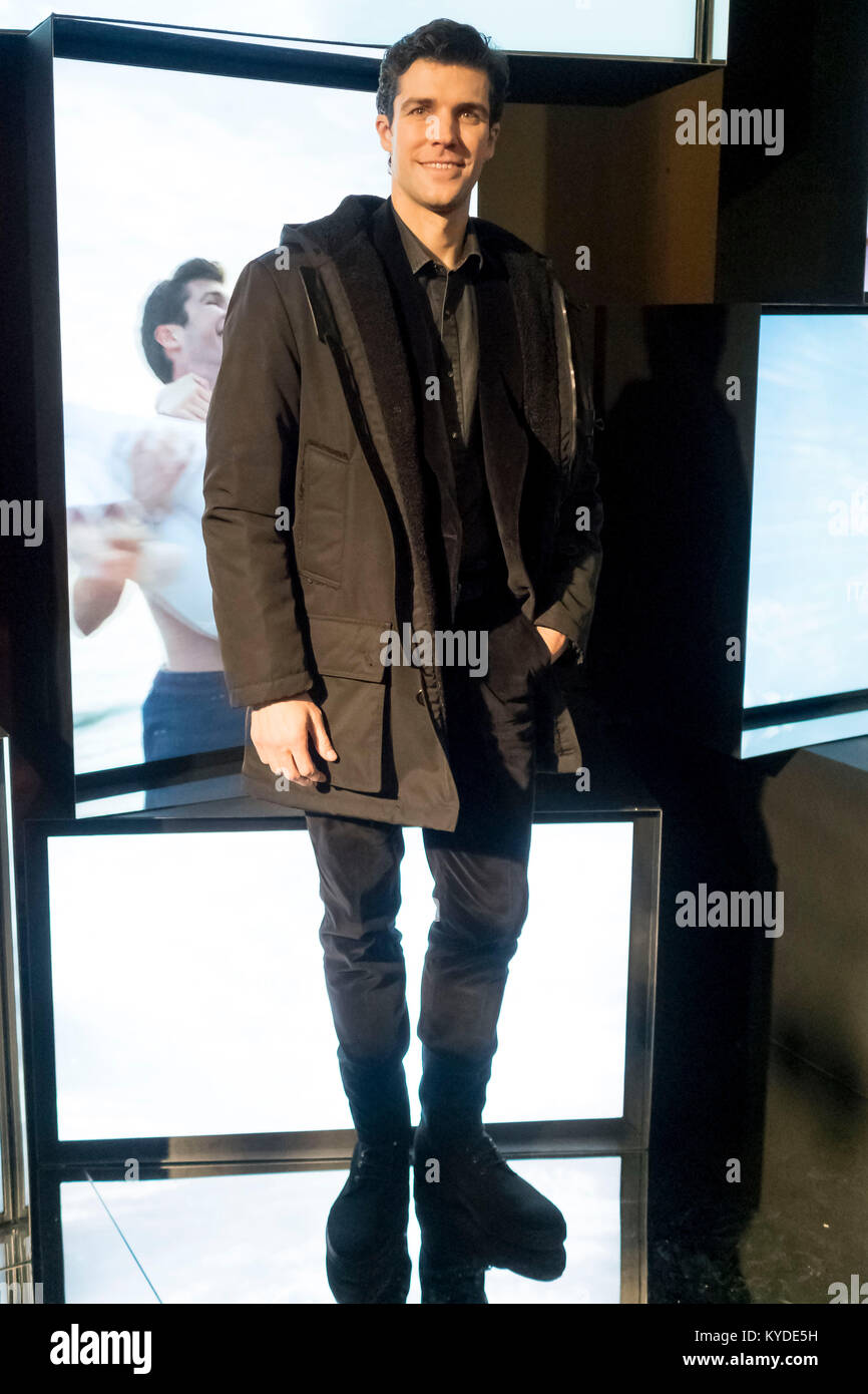 5793228ed9 Milan man's Fashion Week autumn winter 2019. Milano Moda Uomo, autumn winter  2019.Tod's presentation arrivals Pictured: Roberto Bolle Credit:  Independent ...