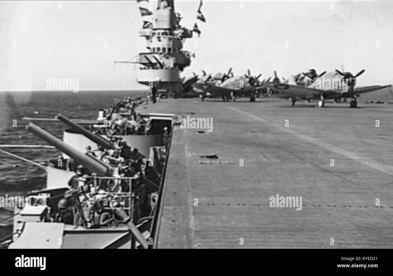 USS Ranger (CV-4) flight deck 1943 Stock Photo: 171806601