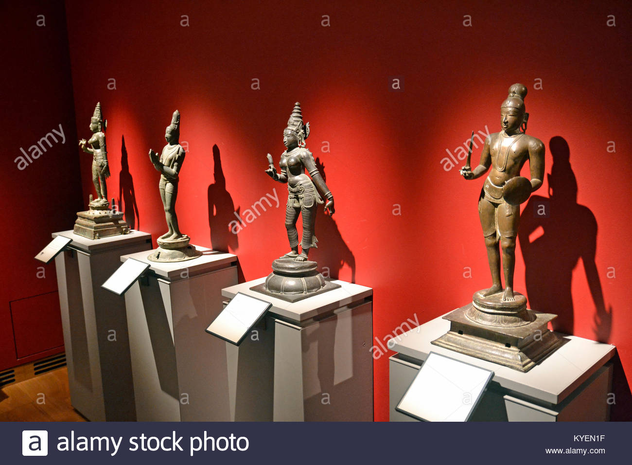 Indian statues and figurines inside the Asian Galleries at the Ashmolean Museum, Oxford - Stock Image