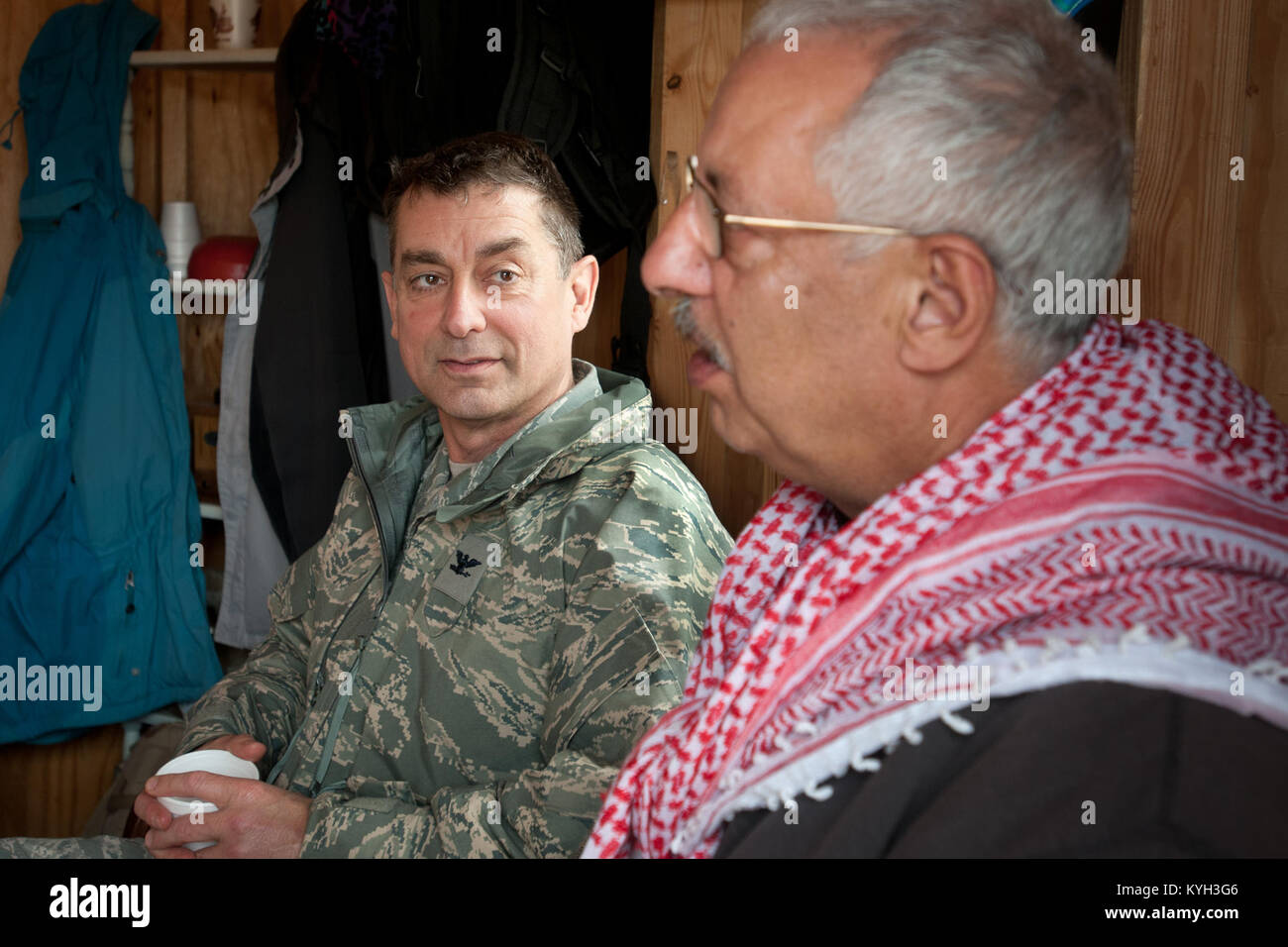 Col. Warren Hurst, commander of the Kentucky Air National Guard's 123rd Contingency Response Group, meets for tea Stock Photo