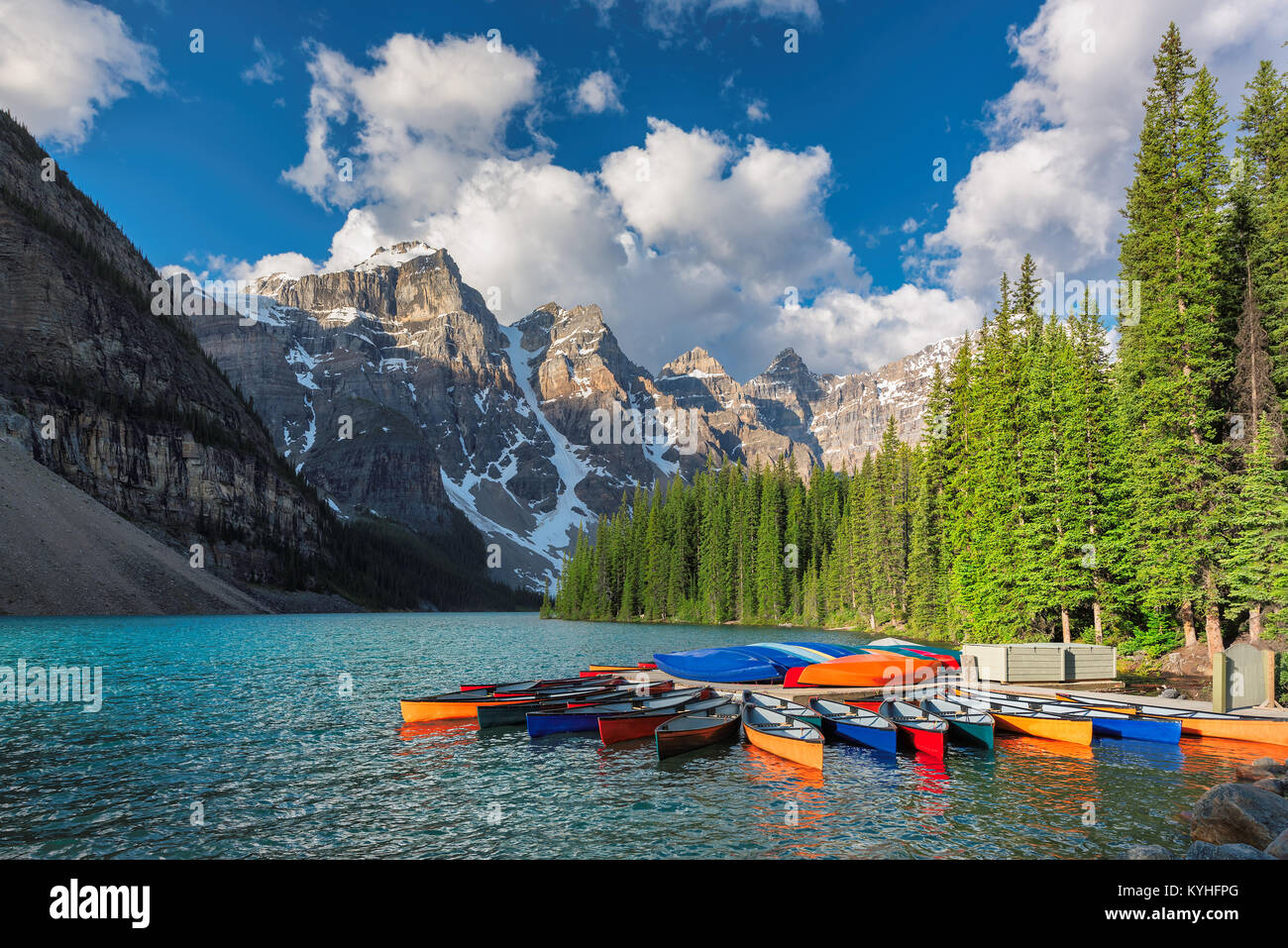 Moraine lake in Rocky Mountains, Banff National Park, Canada. - Stock Image