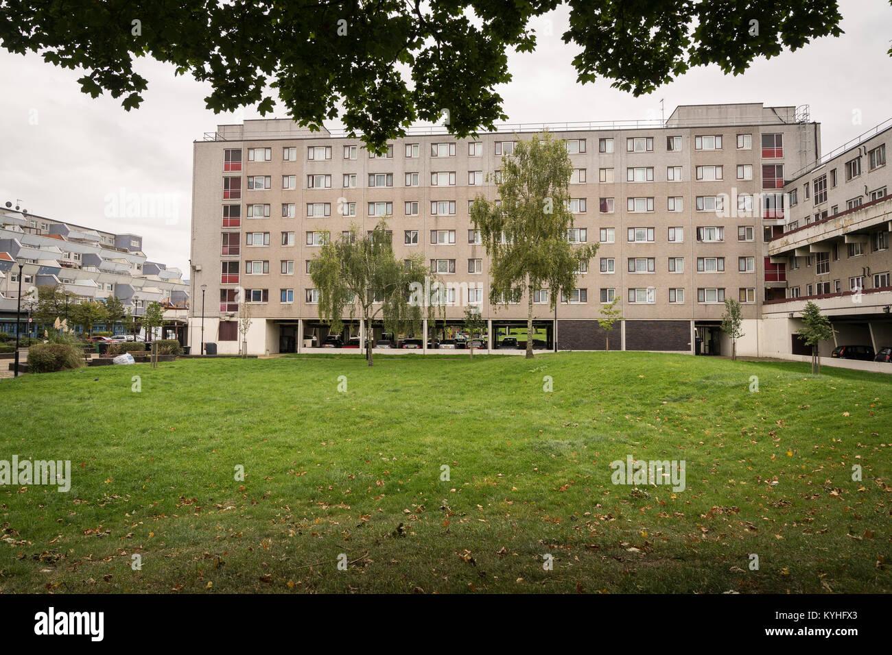Social Housing London Stock Photos & Social Housing London Stock