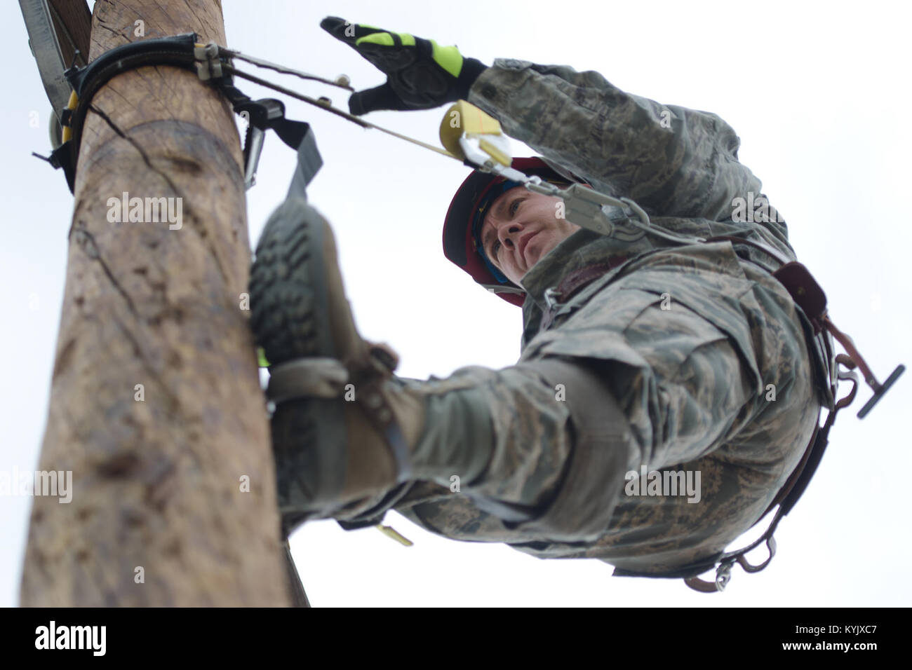 Master Sgt. Russ King, electrician superintendent for the Kentucky Air National Guard's 123rd Civil Engineer Squadron, - Stock Image